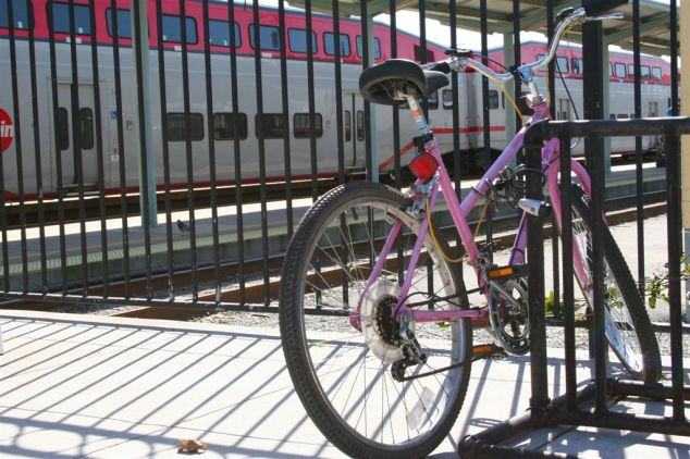 Bike parked at a Caltrain station (Photos credit: Brad Greenlee)